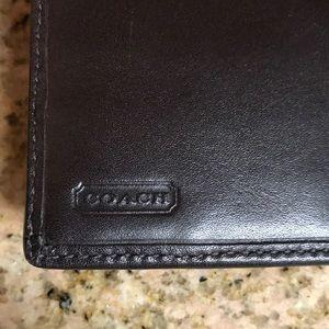 Coach Bags - 🔴Authentic Signature Coach Wallet w/9 pockets